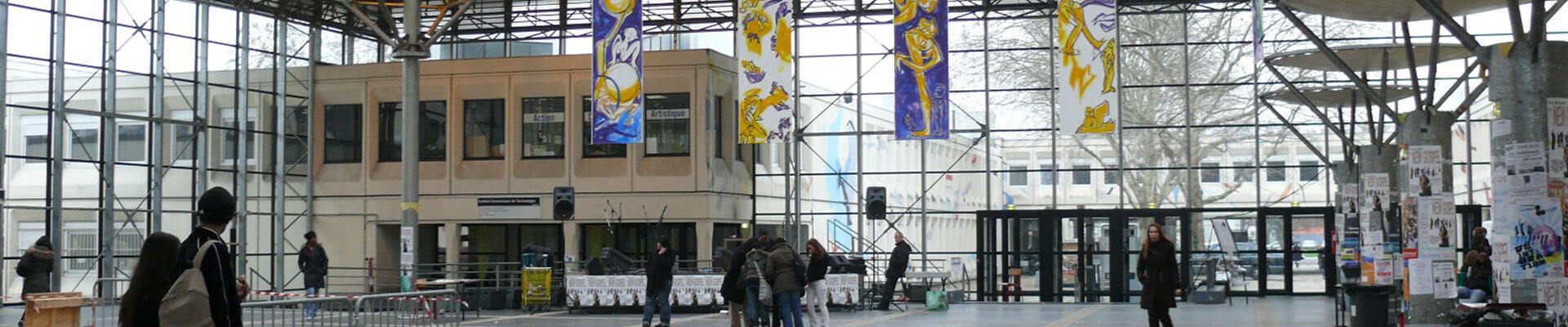 Saint-Denis - Université, haut lieu de la jeunesse étudiante parisienne
